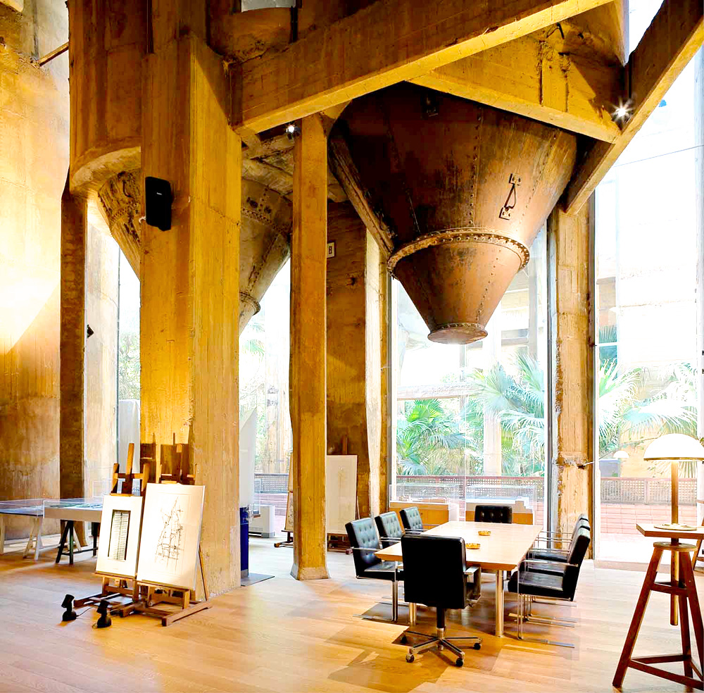 Ricardo-Bofill-Home-Old-Cement-Factory-Spain-Yellowtrace-07_1
