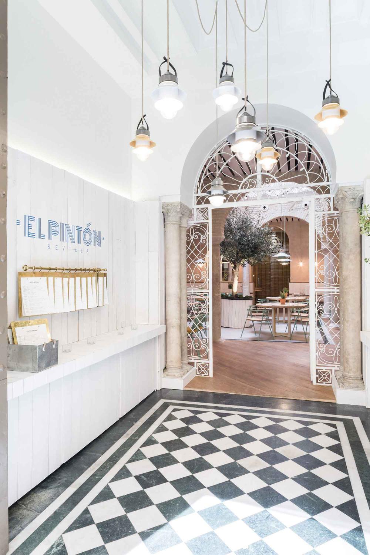 El-Pinton-en-Sevilla-por-Lucas-y-Hernandez-Gil-Arquitectos-HelloMarielou-01