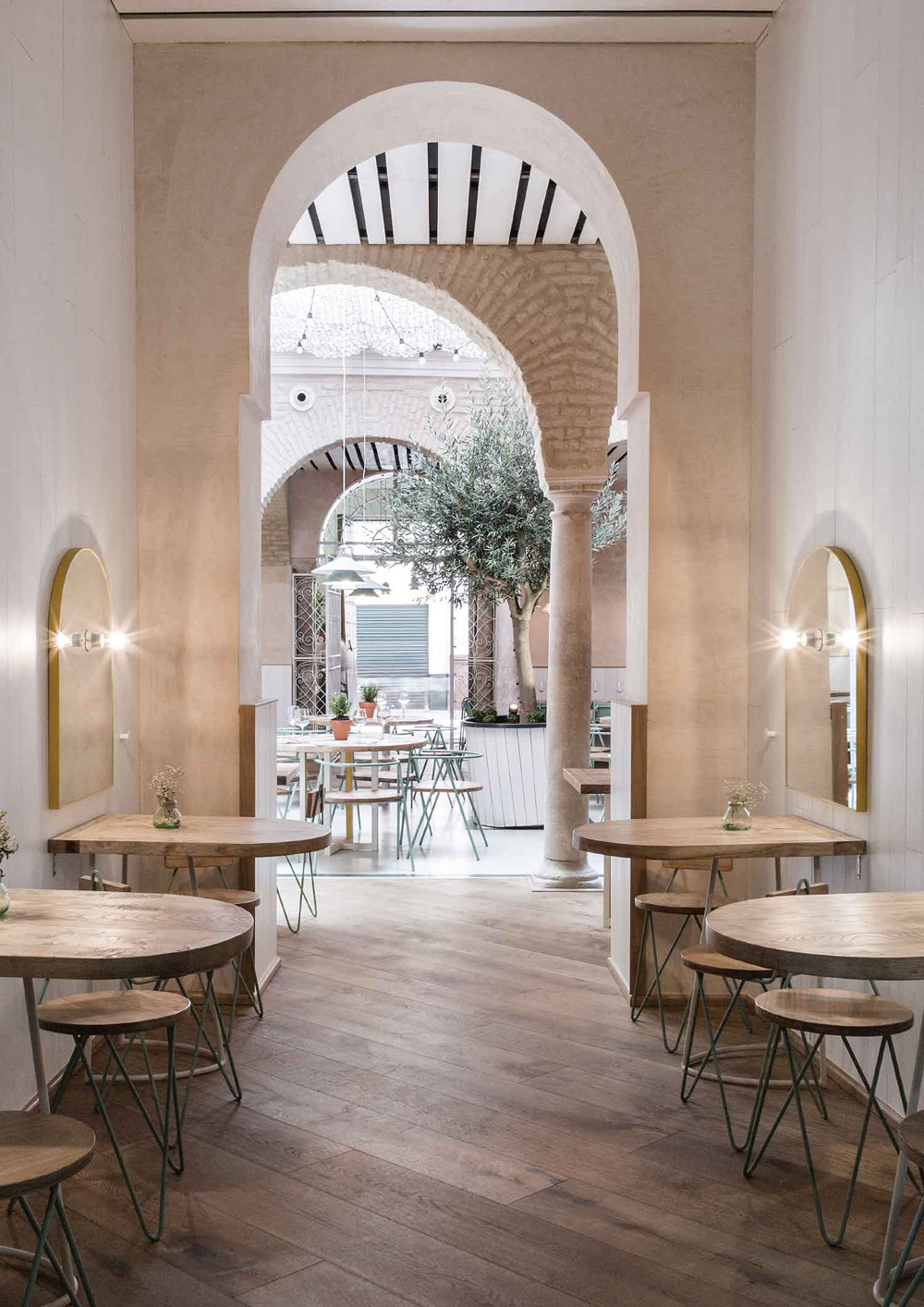 El-Pinton-en-Sevilla-por-Lucas-y-Hernandez-Gil-Arquitectos-HelloMarielou-02