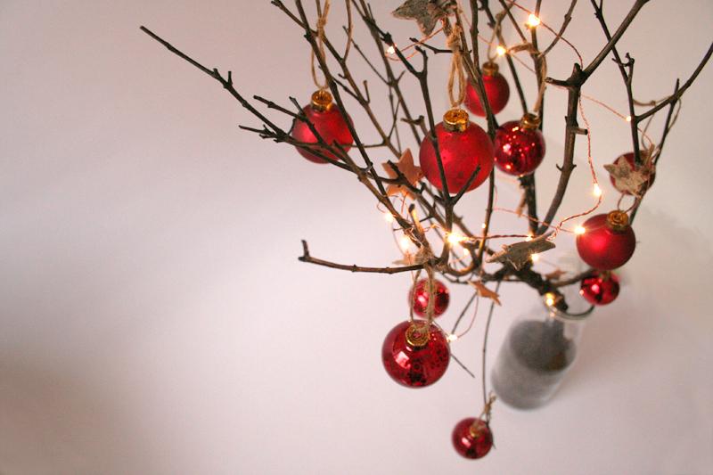 diy-rama-decorada-para-navidad-09